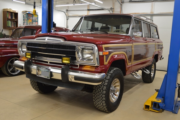 90 Jeep Grand Wagoneer 3aR